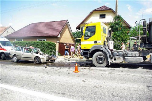 nehoda-kamion-trstin-1