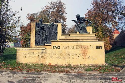 bernolak-pomnik-1