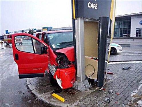 nehoda-minibus-1