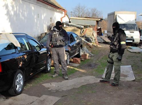 domova-prehliadka-policia-1