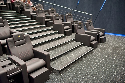 7e1c1aace V City Arene oficiálne otvorili päť nových kinosál Cinemax | trnava ...