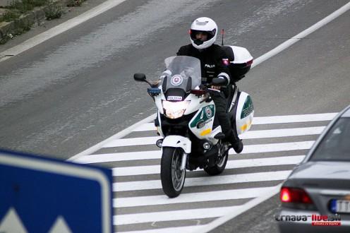policajna-motorka