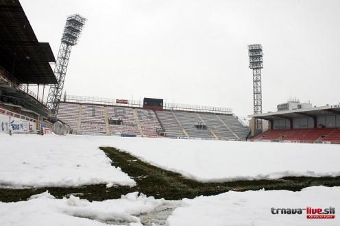 ihrisko-stadion-sneh2