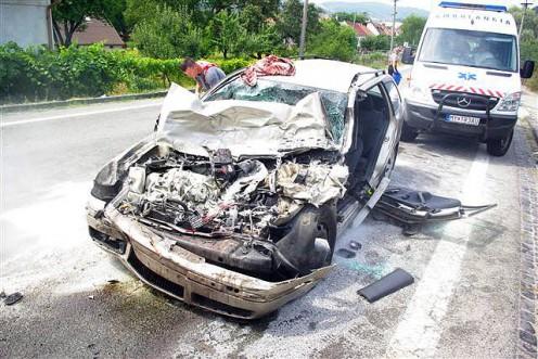 nehoda-kamion-trstin-2
