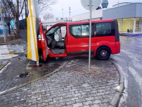 nehoda-minibus-2