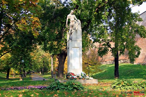 pomnik-1svet